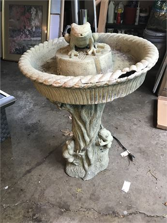 Composite Frog Fountain with Damage - Untested