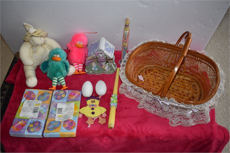Easter cleanout-ceramic house/toys/napkins new in package