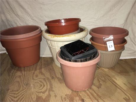 Assorted Plastic Flower Pots