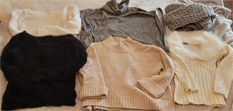 Women's Sweaters - Sz M & L