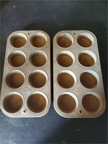 Vintage Ekco Starburst Muffin Pans