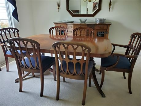 Antique Dining Room Table & Chairs + Leaves & Pads