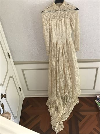1955 Vintage Wedding Dress - All Lace - Shows age but amazing