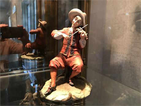 King's Porcellane Fiddler Figurine