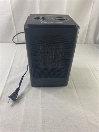 Lonove electric space heater. Needs new plug.