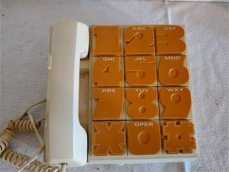 Retro Radio Shack Telephone