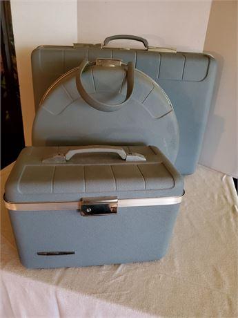 Vintage Star Flite Luggage Set