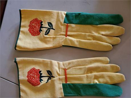 Vintage Rose Garden Gloves