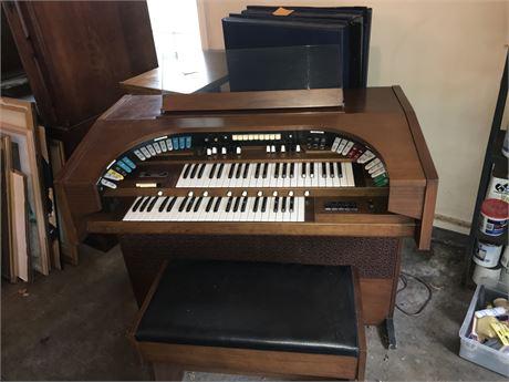 Gulbransen Theatrum Select A Rhythm Organ and Bench