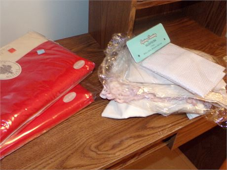 Fitted Sheets, Landry Bag, and Linens