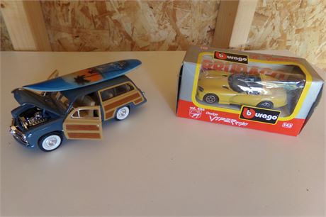 2 diecast cars