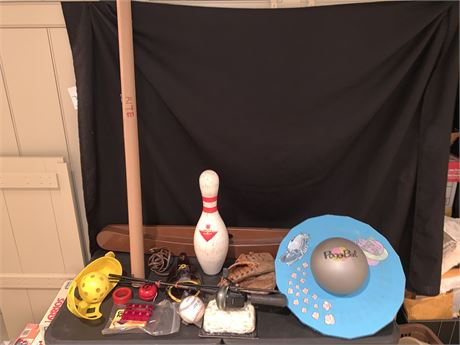 Vintage The 9th Hole Electric Ball Return, Putting Aide Trainer, & More