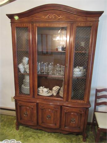 Full Size China Hutch, 1 Piece w/ light. Contents NOT Included