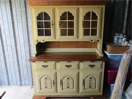 Vintage Early American Temple Stuart Hard Rock Maple Buffet Hutch