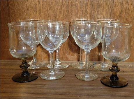 8 Wine Glasses Lot
