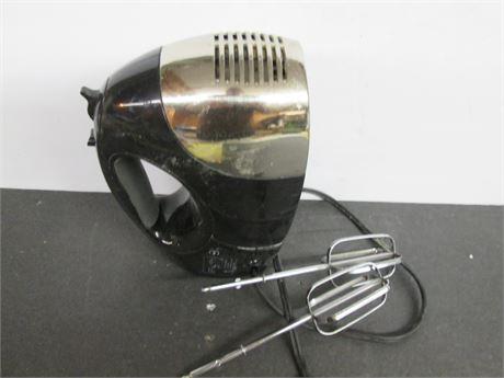 Genuine OSTER  Premium Original Model 2577 Hand Mixer