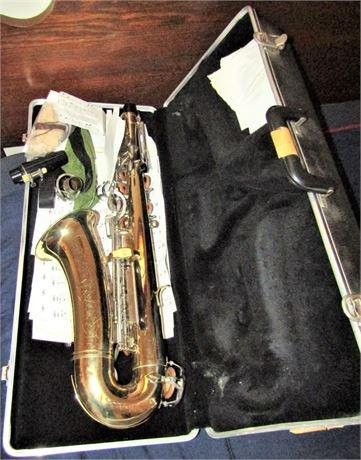 Selmer Bundy II Student Alto Saxophone With Case