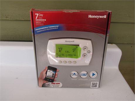 Honeywell Programable Thermostat, new