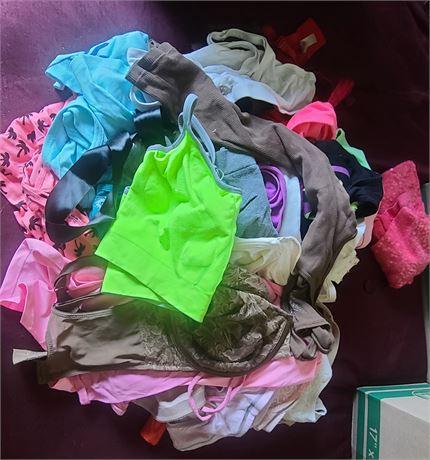 Mixed Lot Ladies Nightwear, Bras, T's SIZE LG-XL