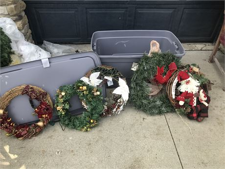 Assorted Christmas Wreaths (one Lighted)