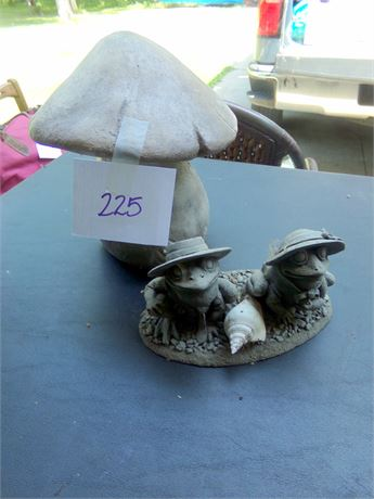 Frog Statues and Heavy Mushroom Statue