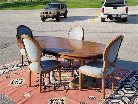 Dining Room Table with Four Chair's