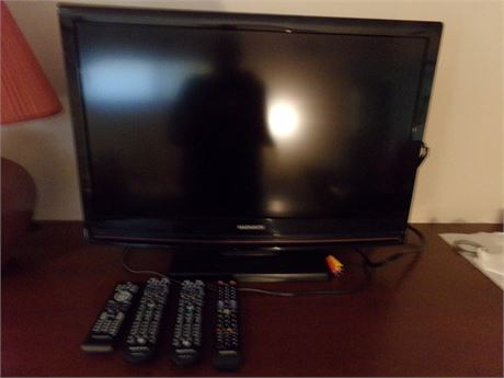 32' TV with built in DVD player