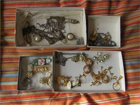 Vintage Costume Jewelry Lot