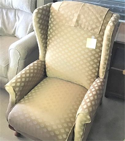 La-Z-Boy Wing Back Recliner
