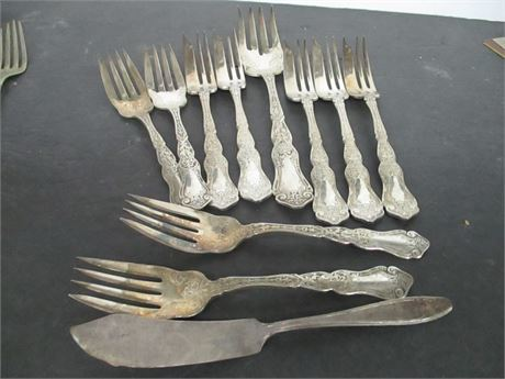 Vintage 11 Pieces Lot 1907 Rogers Victorian Style Forks Silverware