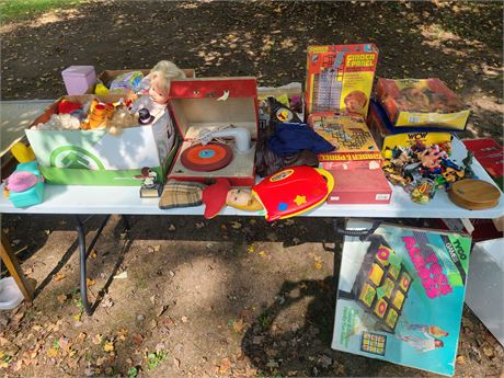 Kids Toy Lot: WCW Cases/Wrestling Figures/Old Record Player/Collectibles/&More