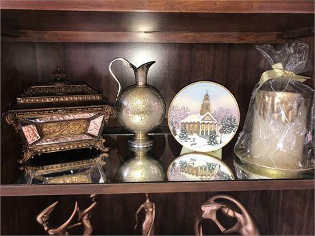 Decorative Shelf Lot