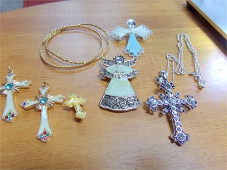 Holiday and Religious Jewelry
