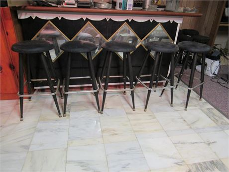 5 Retro Bar Stools