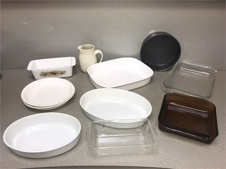 Pyrex, Corningware, Fire King & Ovenware Lot