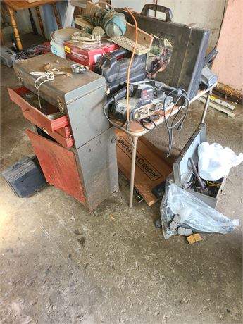 Large Mixed Tool Lot: Saws / Battery Charger / Drills / CB Radio / & More