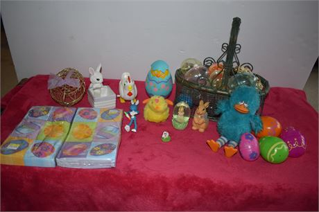 Easter basket/plastic eggs/toys/Easter napkins new