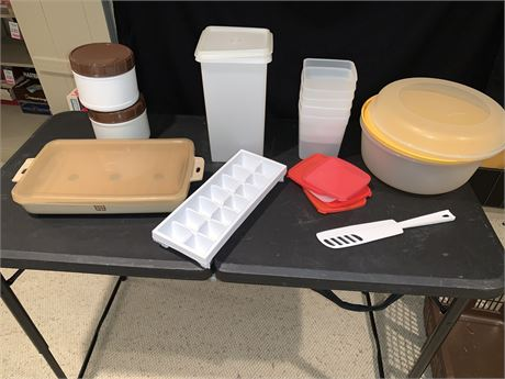 Assorted Tupperware Containers