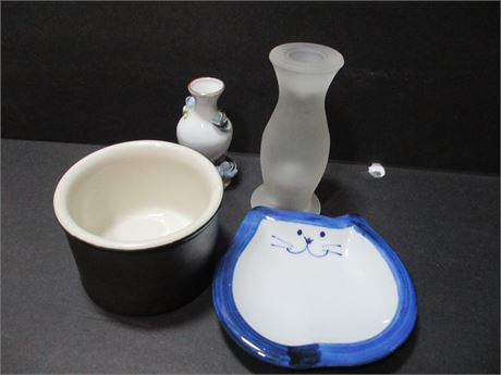 4 Pieces assorted Ceramic Collectibles Lot