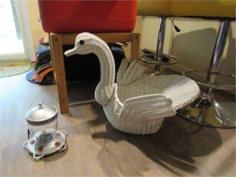 Wicker Swan and Hummingbird Feeder
