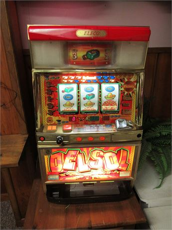 Eleco Delsol Coin Slot Machine No Key. Powers On