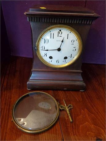 Antique Seth Thomas Mantle Clock w/ Key
