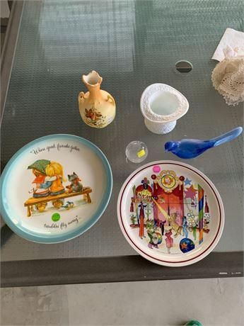 Collectible plates and Fenton decor
