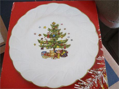Genuine May & Co NIKKO Christmas Time China Set of 4 Dessert/ Salad Plates