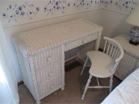 "Premium Vintage May Co 40"" White Wicker Bedroom Desk"
