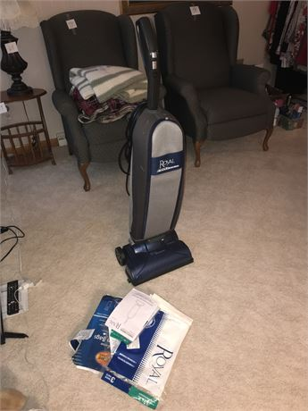 Royal Pro Series Vacuum Cleaner with Bags