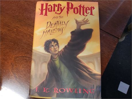 Harry Potter & The Deathly Hallows 1st Edition