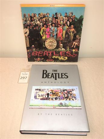 Beatles Sgt. Peppers Lonely Hearts Club Vinyl Record & Beatles Anthology Book