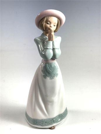 Lladro NAO Daisa Porcelain Figurine of Girl Praying
