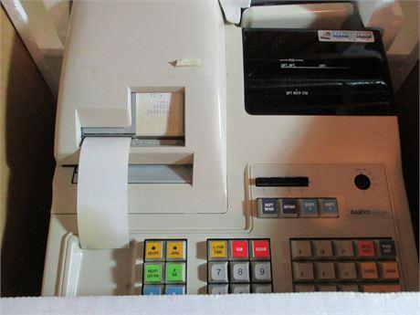 NIB Sanyo ECR 335 Electronic Cash Register Locking w/ Key